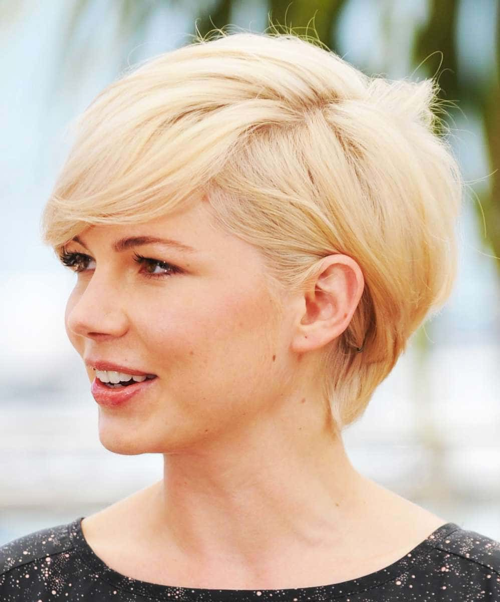Short Haircuts for Round Face Shape - 10+