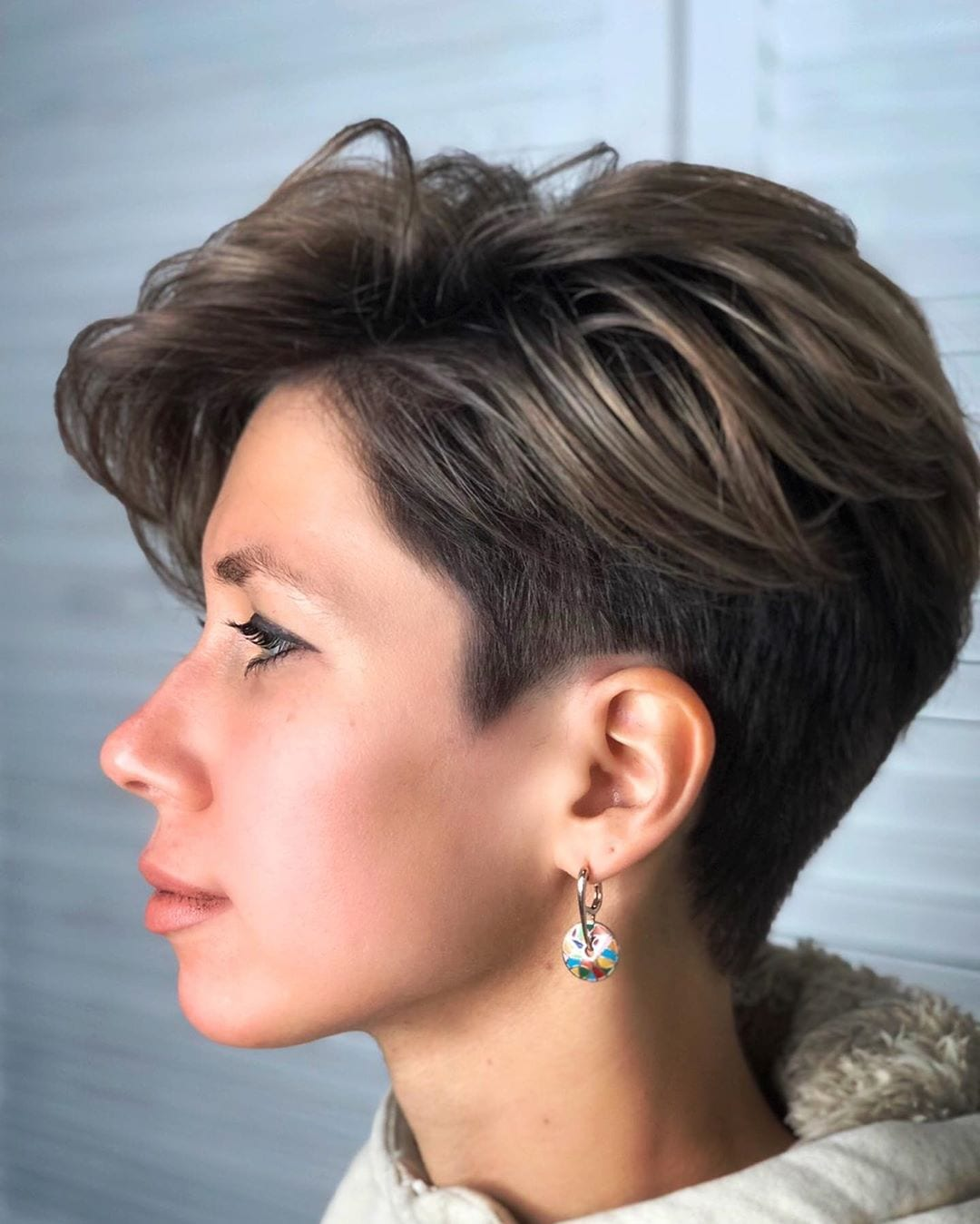 Hairstyles with short square ladies faces for Women Square