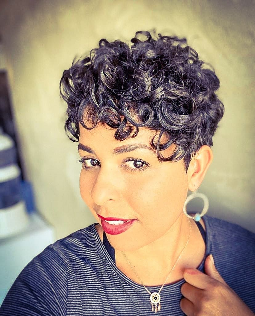 Short Haircuts For Oval Faces And Curly Hair 130