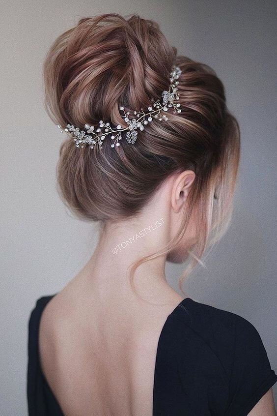 Hairstyles For Short Hair For Indian Wedding 25