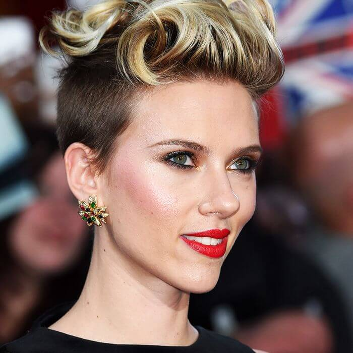 Short Haircuts For Curly Hair Women 35