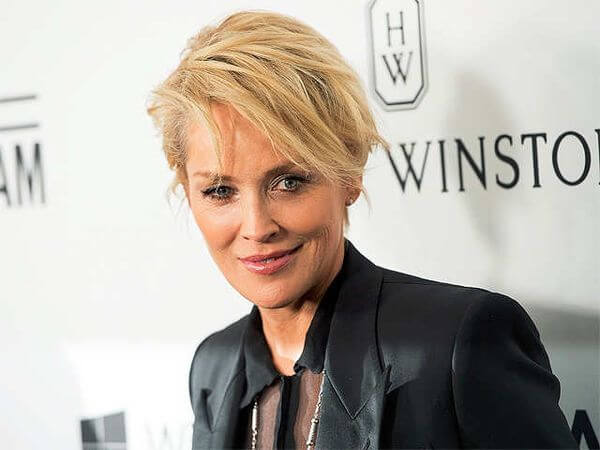 Short Haircuts For Women Over 50 With Fine Hair 40