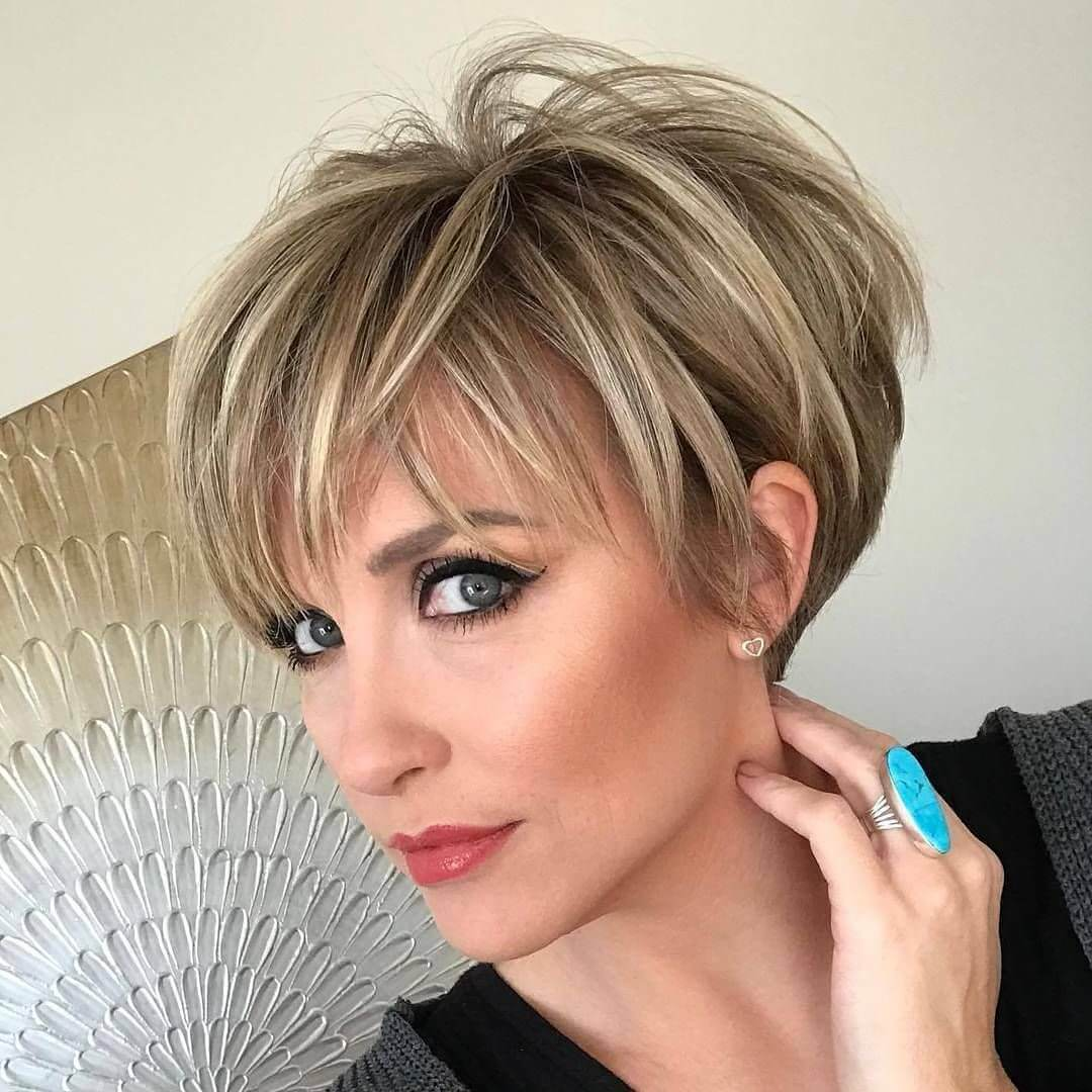 Short Haircuts for Older Women With Thin Hair - 25+