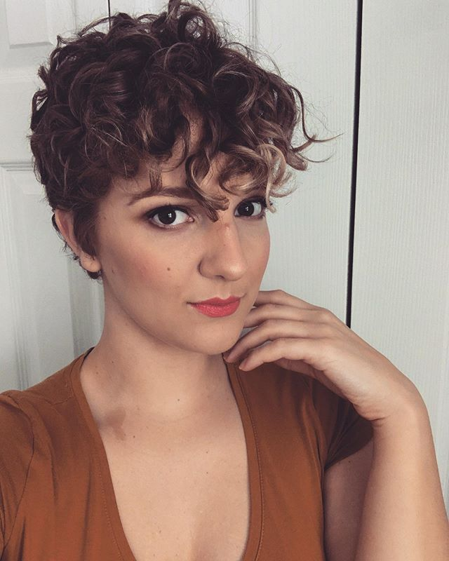 Short Natural Curly Pixie Haircuts - 20+