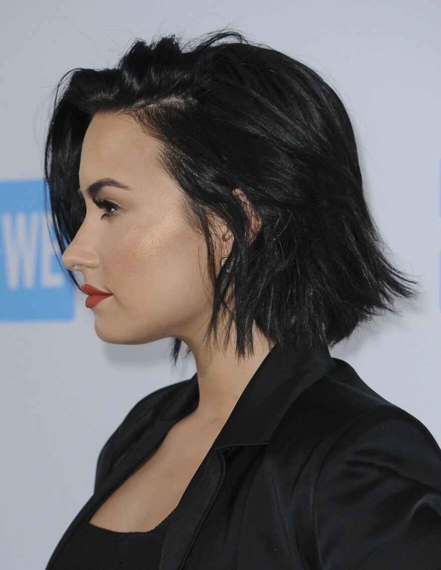 Demi Lovato S Short Haircuts And Hairstyles 30