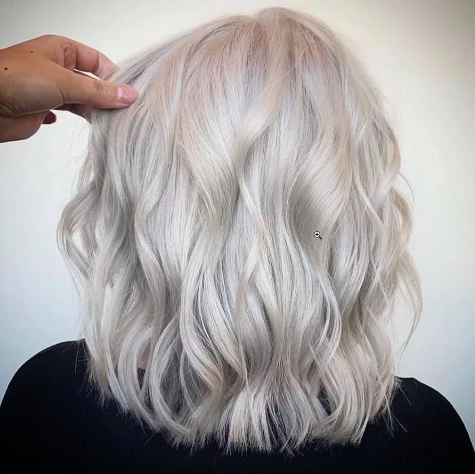short haircuts for ladies with grey hair  15