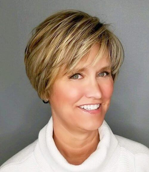 Short Haircuts Middle Aged Woman 25
