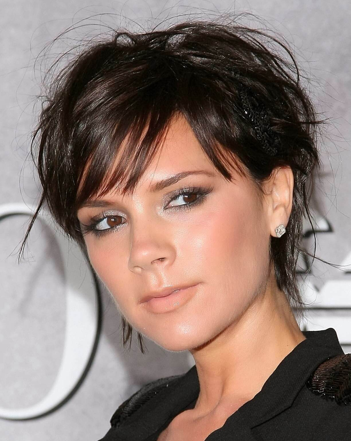 Victoria Beckham's Short Hairstyles and Haircuts - 15+