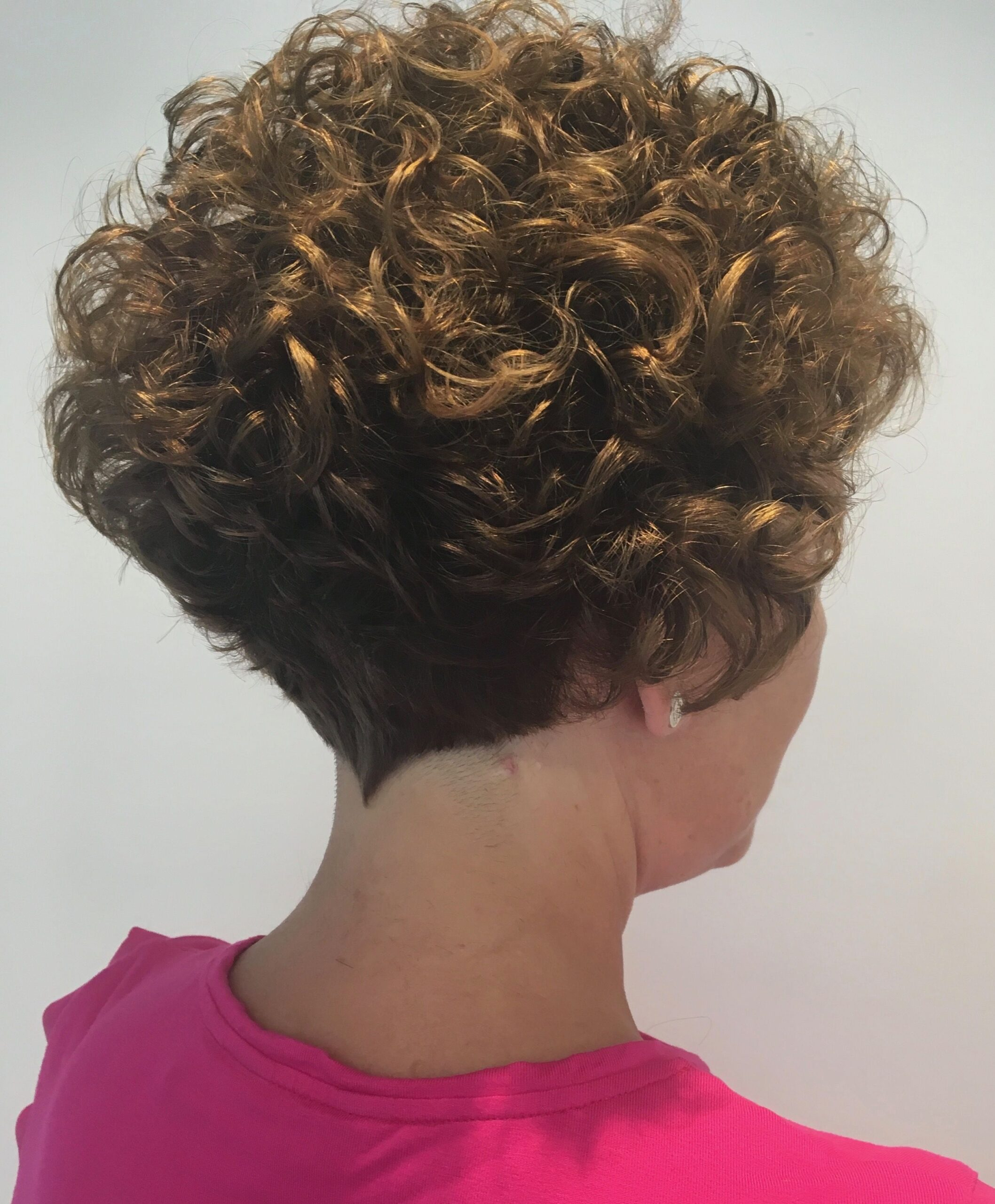 admire wedge hairstyles that should try in 2021 25
