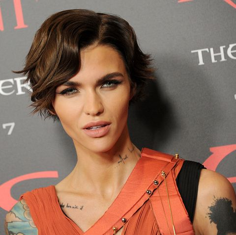celebrity short haircuts 2021 new 19