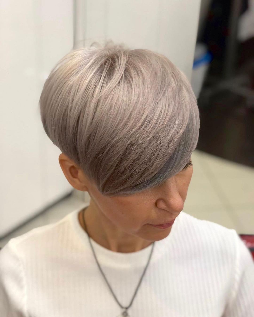 chic short hairstyles for plus size over 50 best ones 2 13