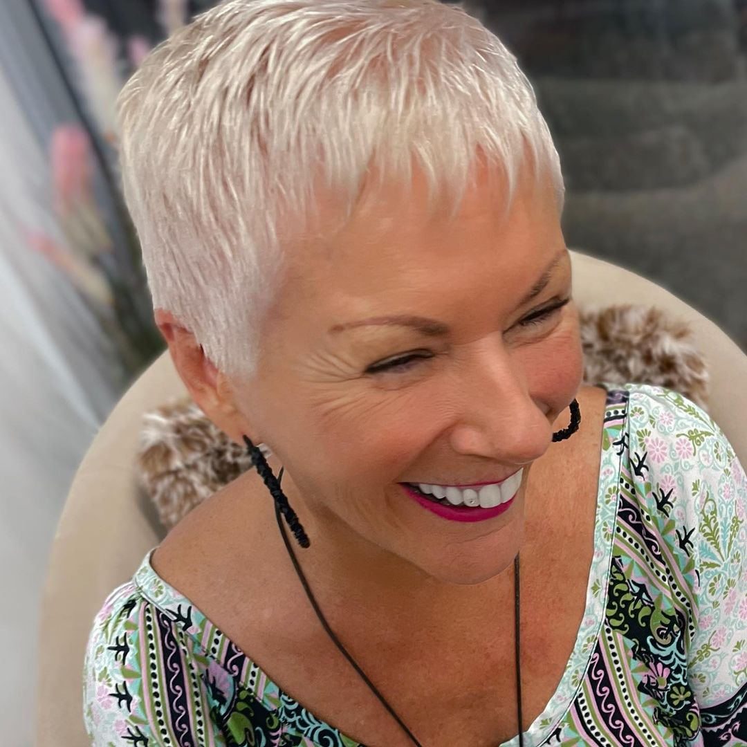 chic short hairstyles for plus size over 50 best ones 2 16