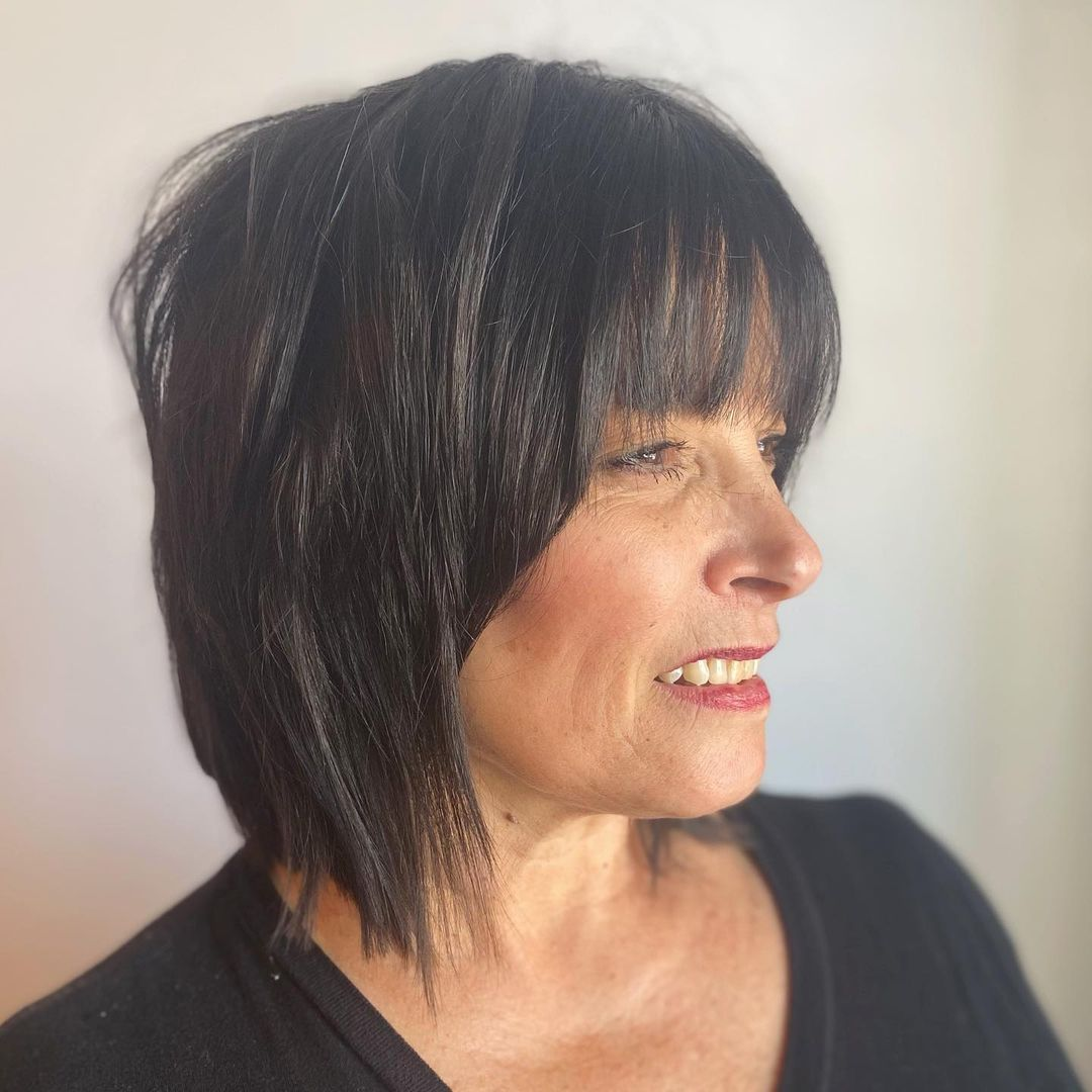 chic short hairstyles for plus size over 50 best ones 2 19