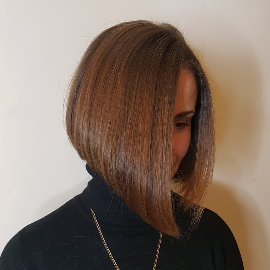 chic short hairstyles for plus size over 50 best ones 2 9