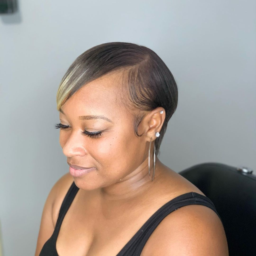 cute pixie haircuts for round faces 16