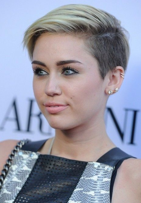 cute pixie haircuts for round faces 25