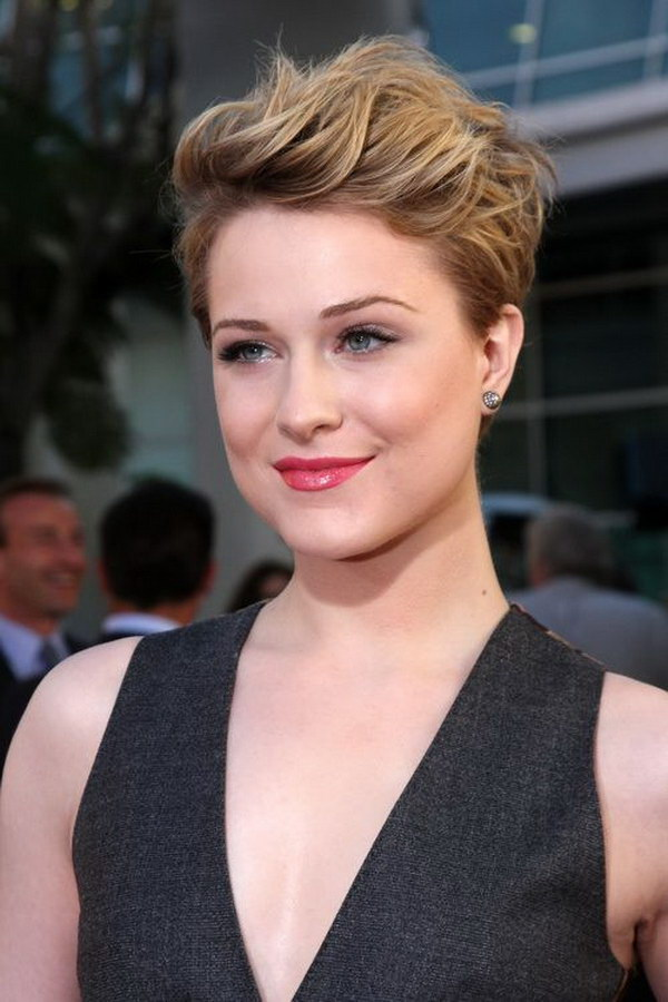 cute pixie haircuts for round faces 26