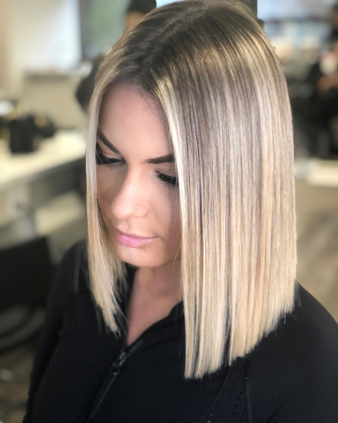 haircuts for thin hair to look thicker 1