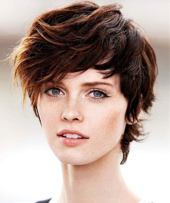 haircuts for thin hair to look thicker 14