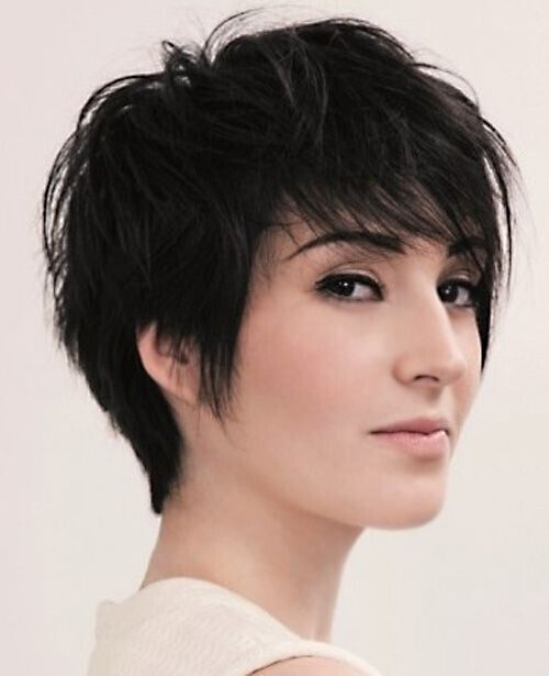 haircuts for thin hair to look thicker 16