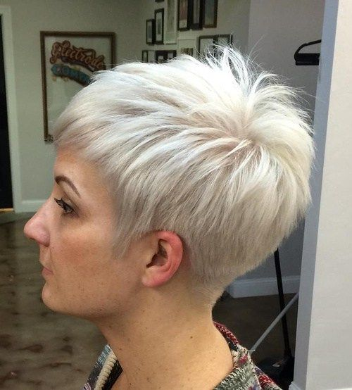 haircuts for thin hair to look thicker 53