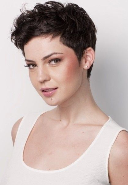 haircuts for thin hair to look thicker 56