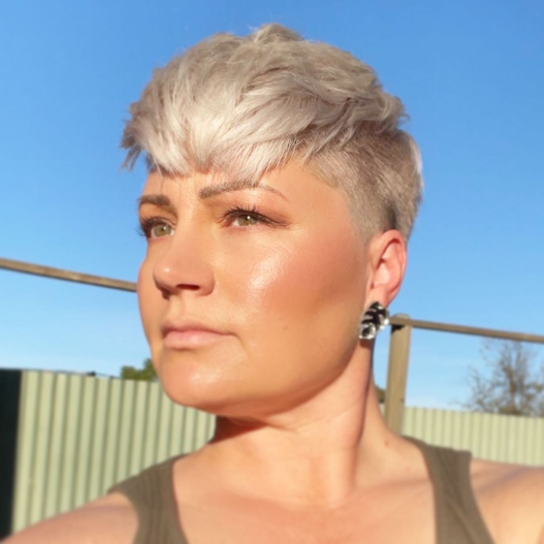 haircuts for thin hair to look thicker 61