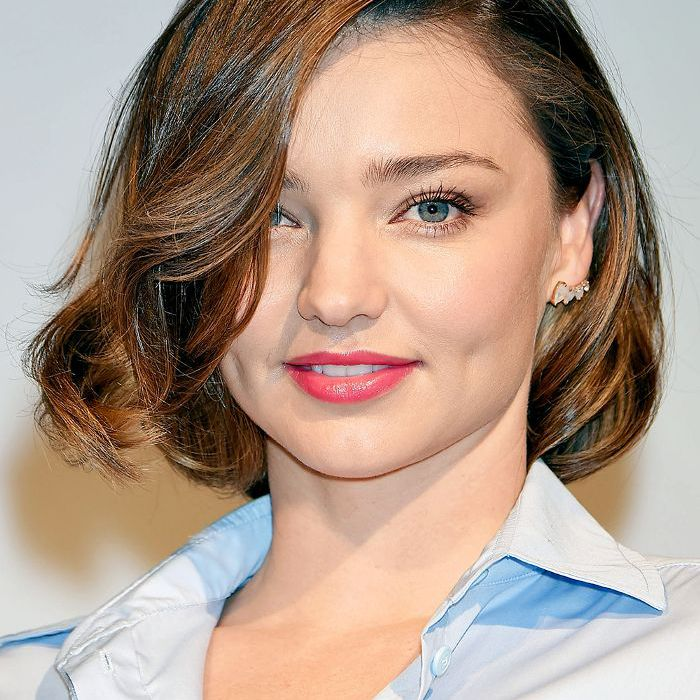 latest layered short haircuts for round faces 2021 14