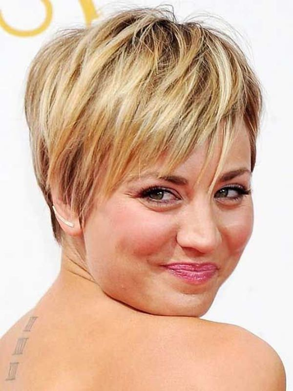 latest layered short haircuts for round faces 2021 16