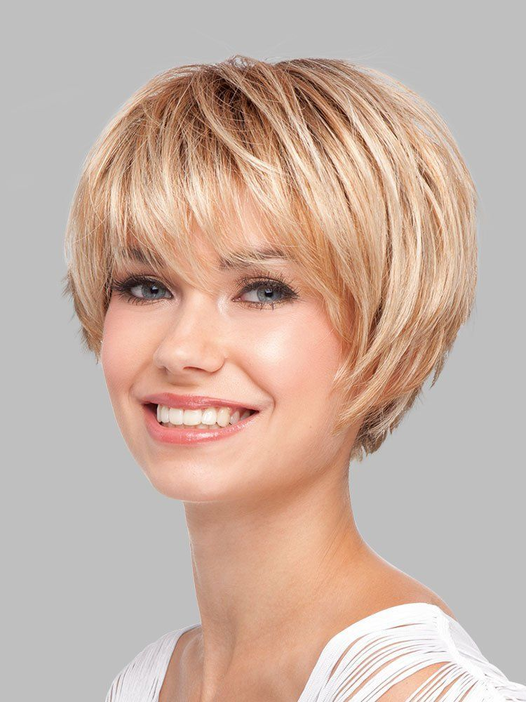 latest layered short haircuts for round faces 2021 22