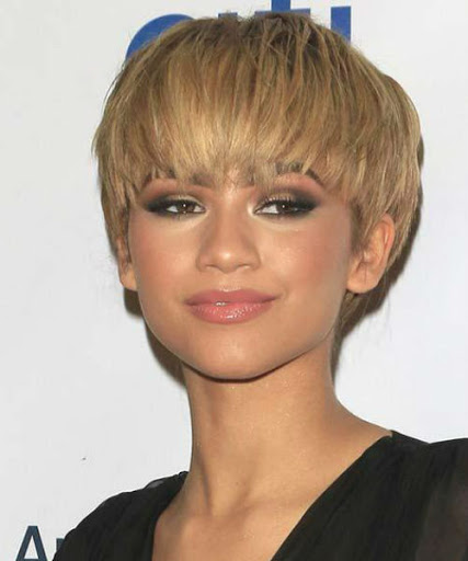 latest layered short haircuts for round faces 2021 23