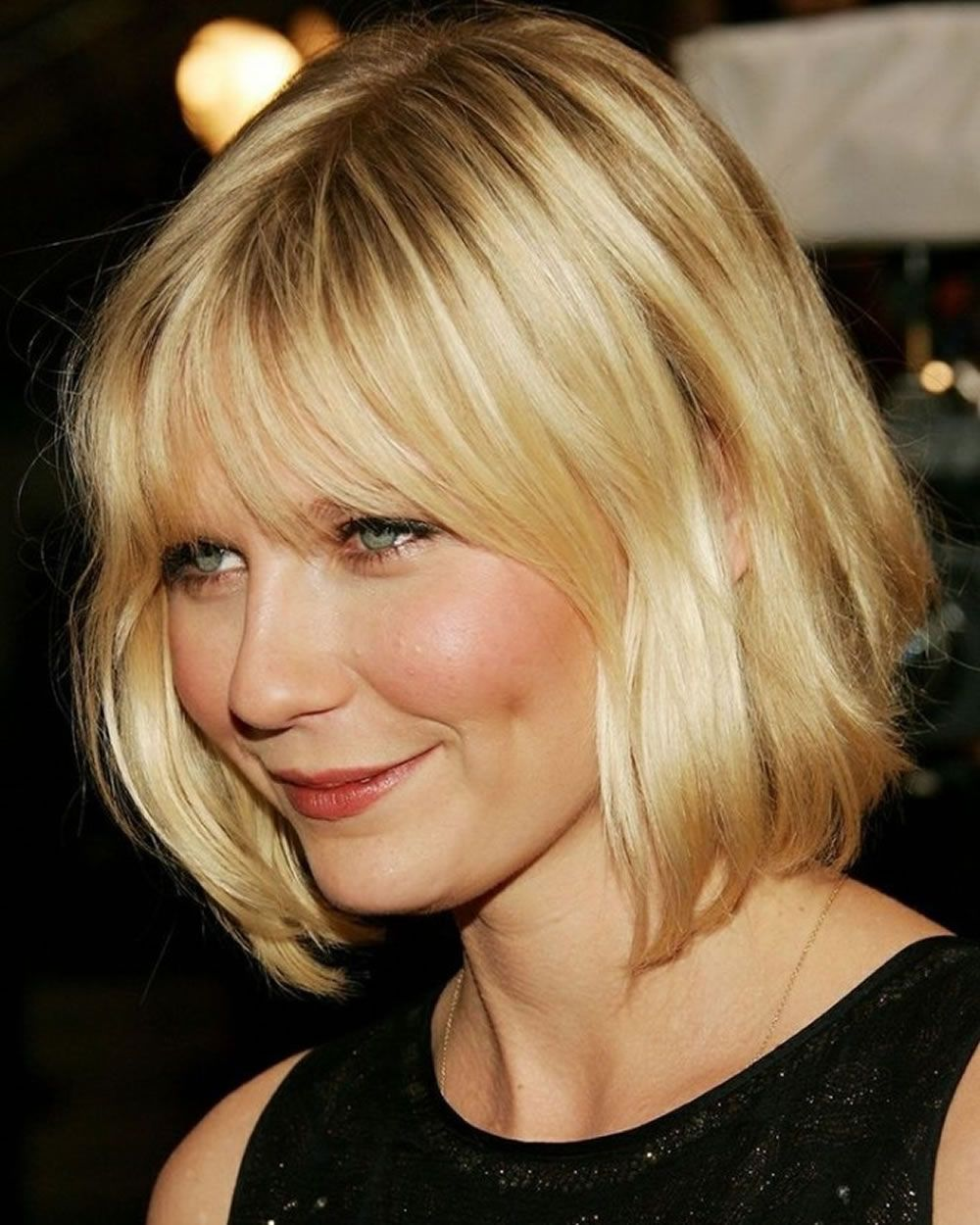 latest layered short haircuts for round faces 2021 25