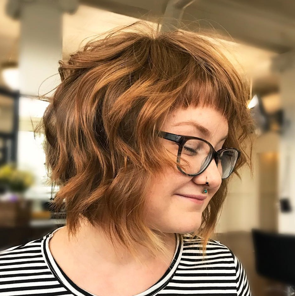 latest layered short haircuts for round faces 2021 8