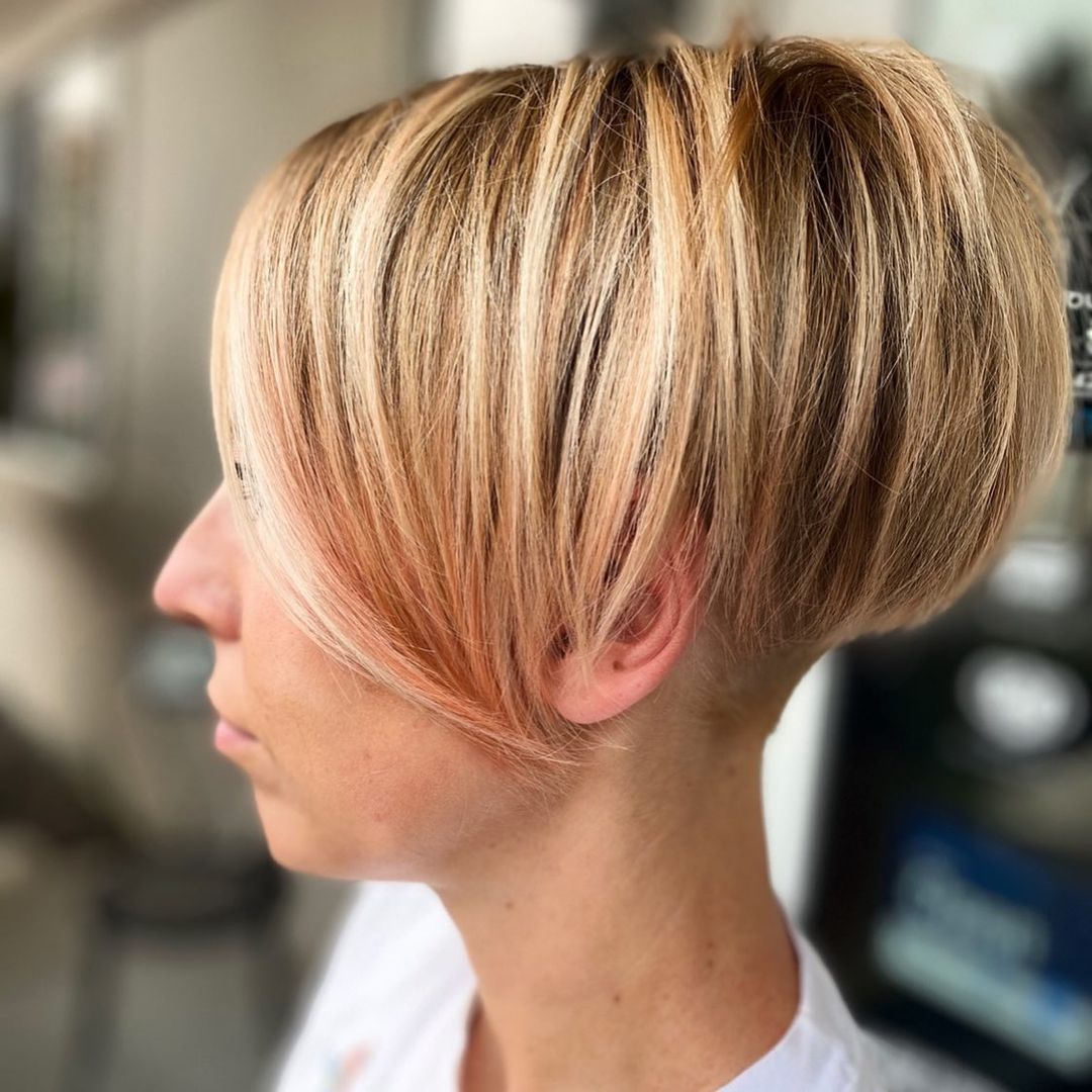 layered short hairstyles that can be preferred for date nights 12