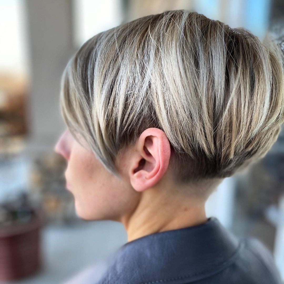 layered short hairstyles that can be preferred for date nights 13