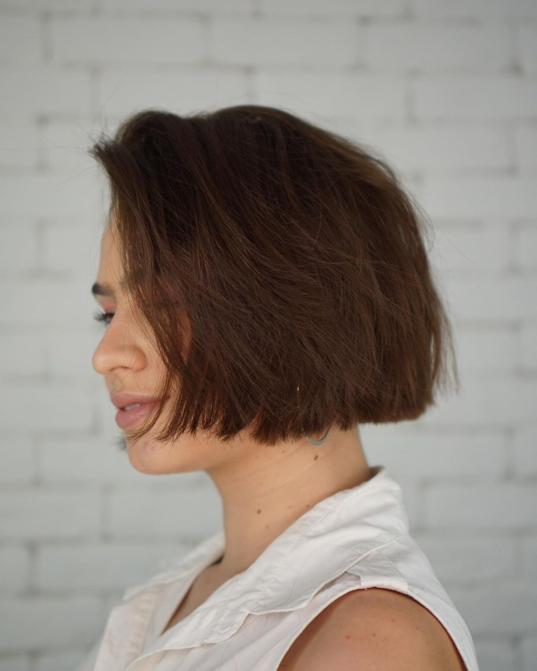layered short hairstyles that can be preferred for date nights 14