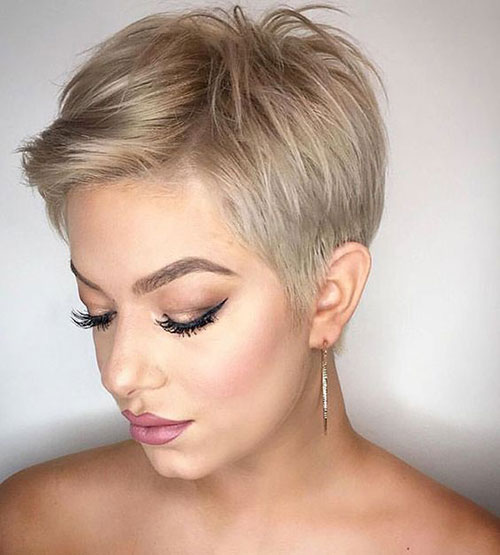 layered short hairstyles that can be preferred for date nights 18
