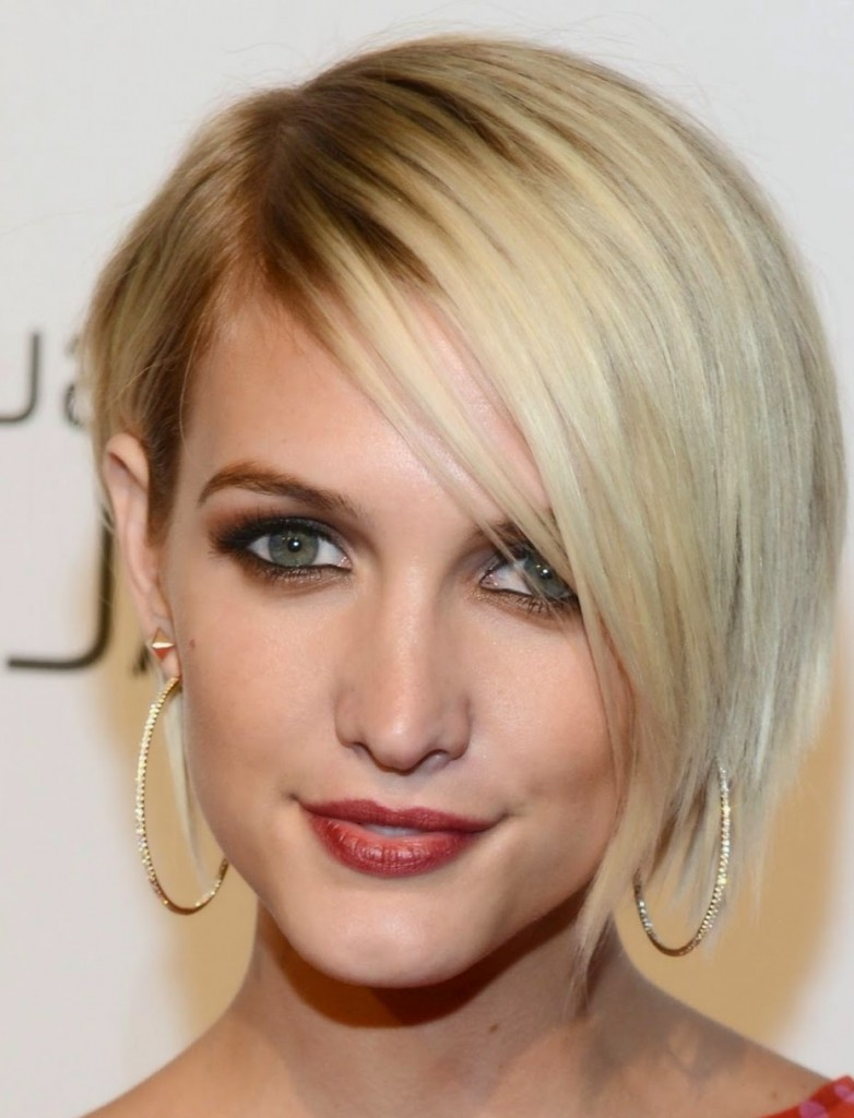 layered short hairstyles that can be preferred for date nights 21