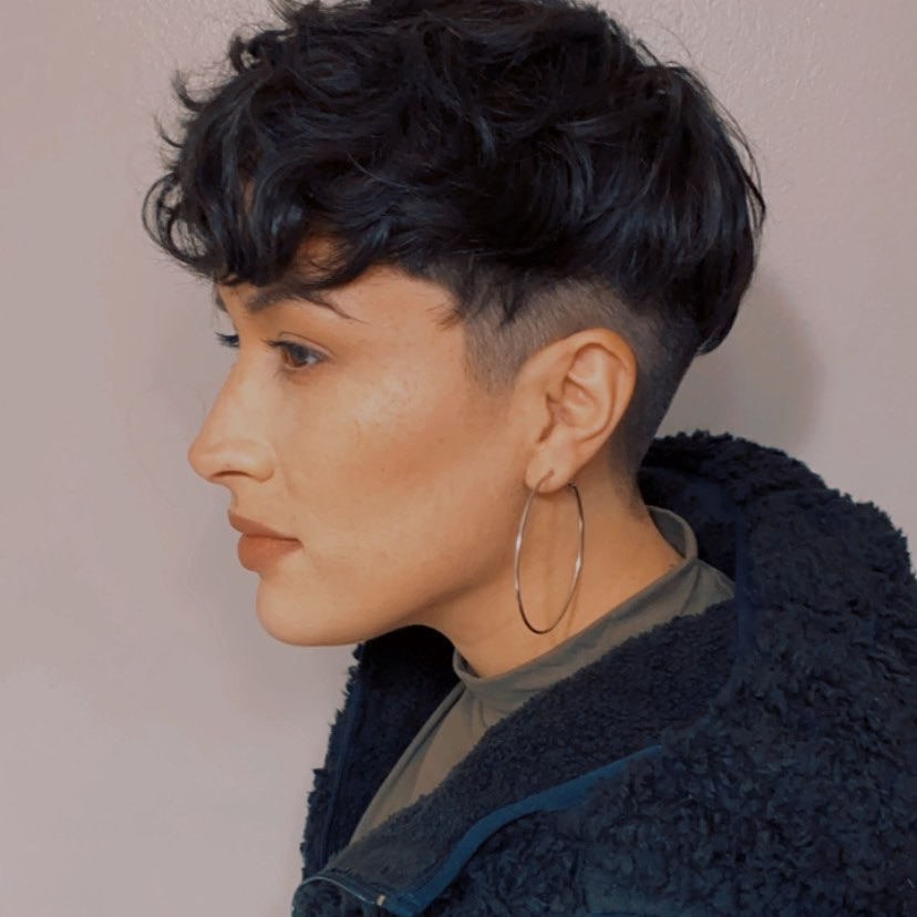 layered short hairstyles that can be preferred for date nights 23
