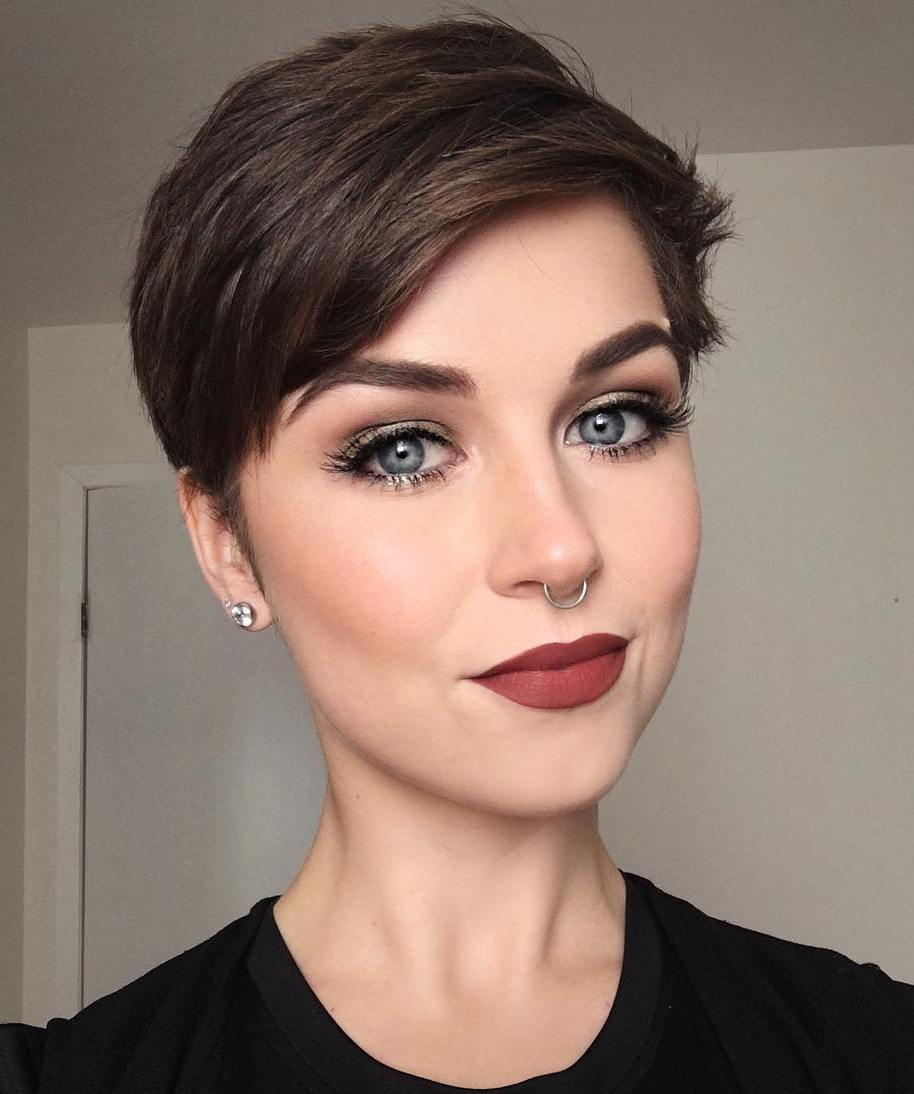 layered short hairstyles that can be preferred for date nights 3