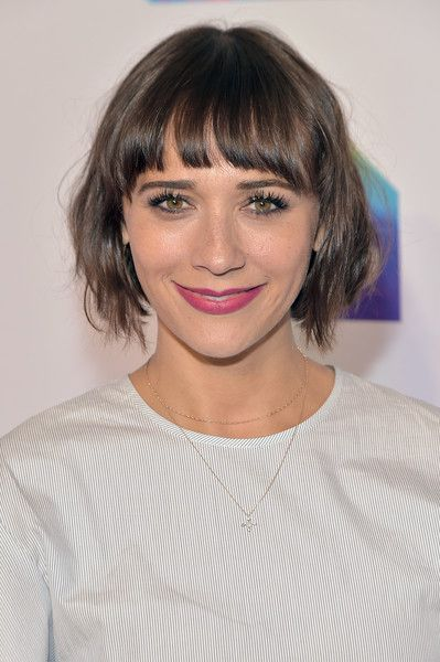 layered short hairstyles that can be preferred for date nights 5