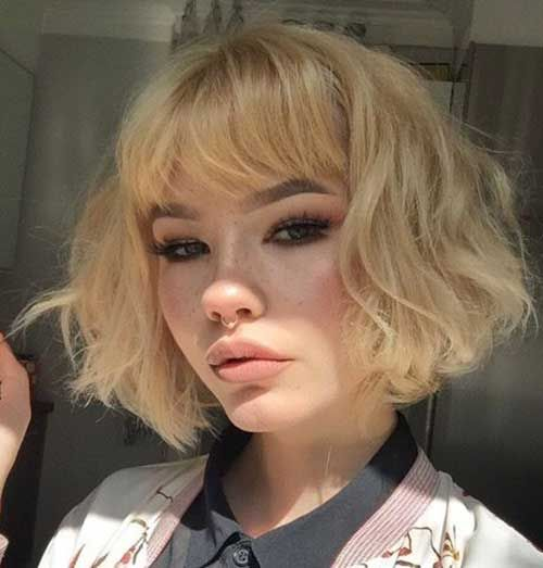 layered short hairstyles that can be preferred for date nights 9