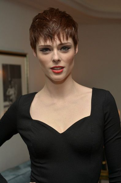 models with short hair karlie kloss kate moss edie campbell and more 19