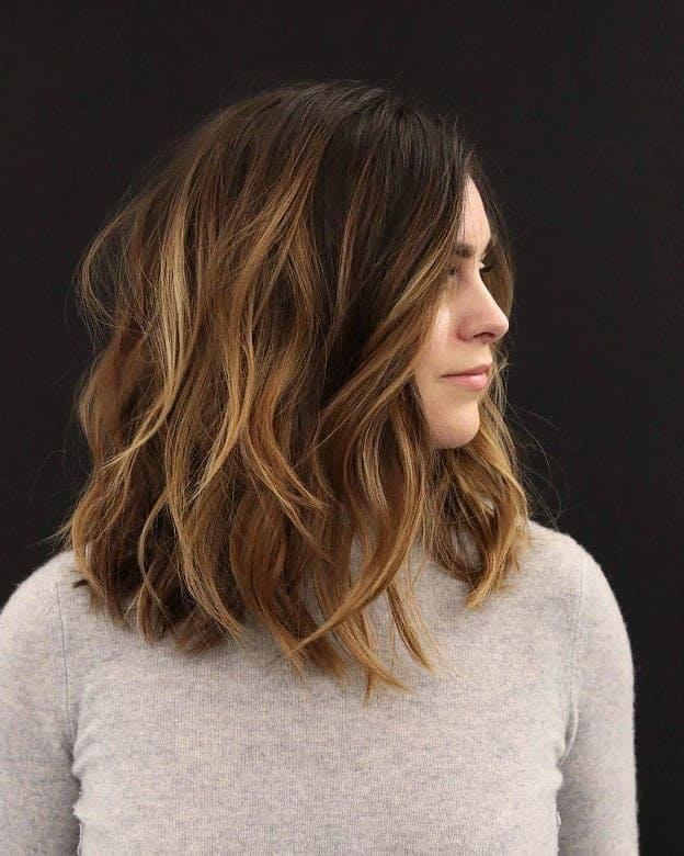 short female hairstyles wavy cool and stylish 11