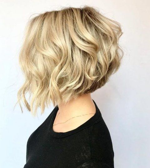 short female hairstyles wavy cool and stylish 22