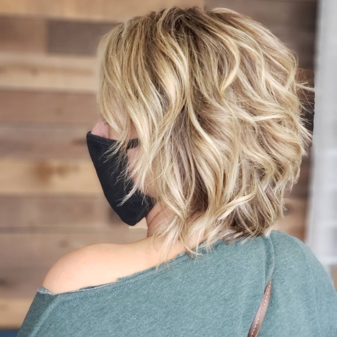 short female hairstyles wavy cool and stylish 3
