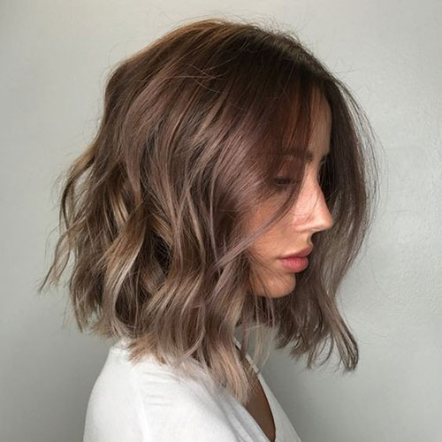 short female hairstyles wavy cool and stylish 32