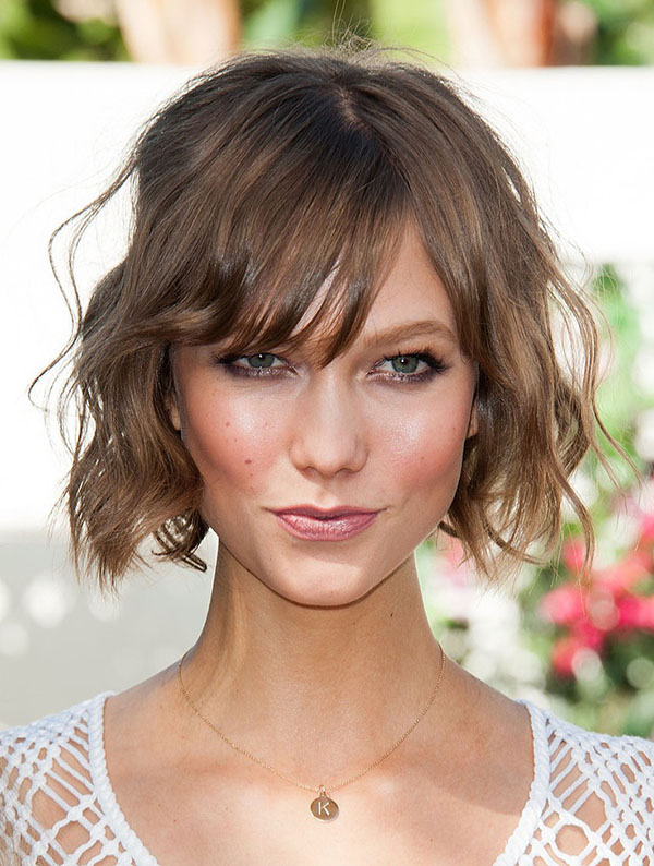 short female hairstyles wavy cool and stylish 36
