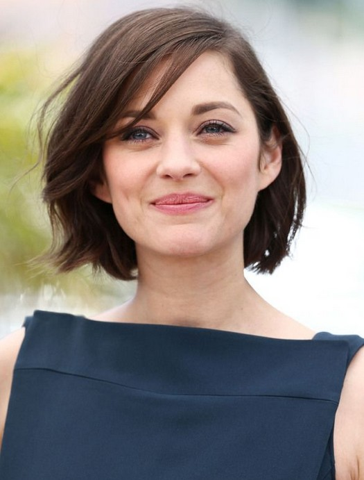 short female hairstyles wavy cool and stylish 41