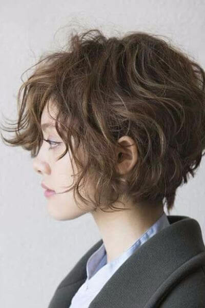 short female hairstyles wavy cool and stylish 42